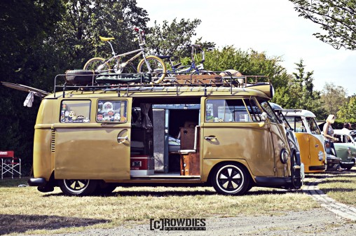 Awesome Classics 2015 - VW T1 beige