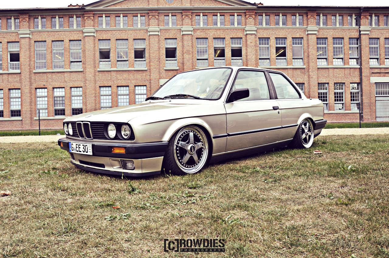 Awesome Classics - BMW E30