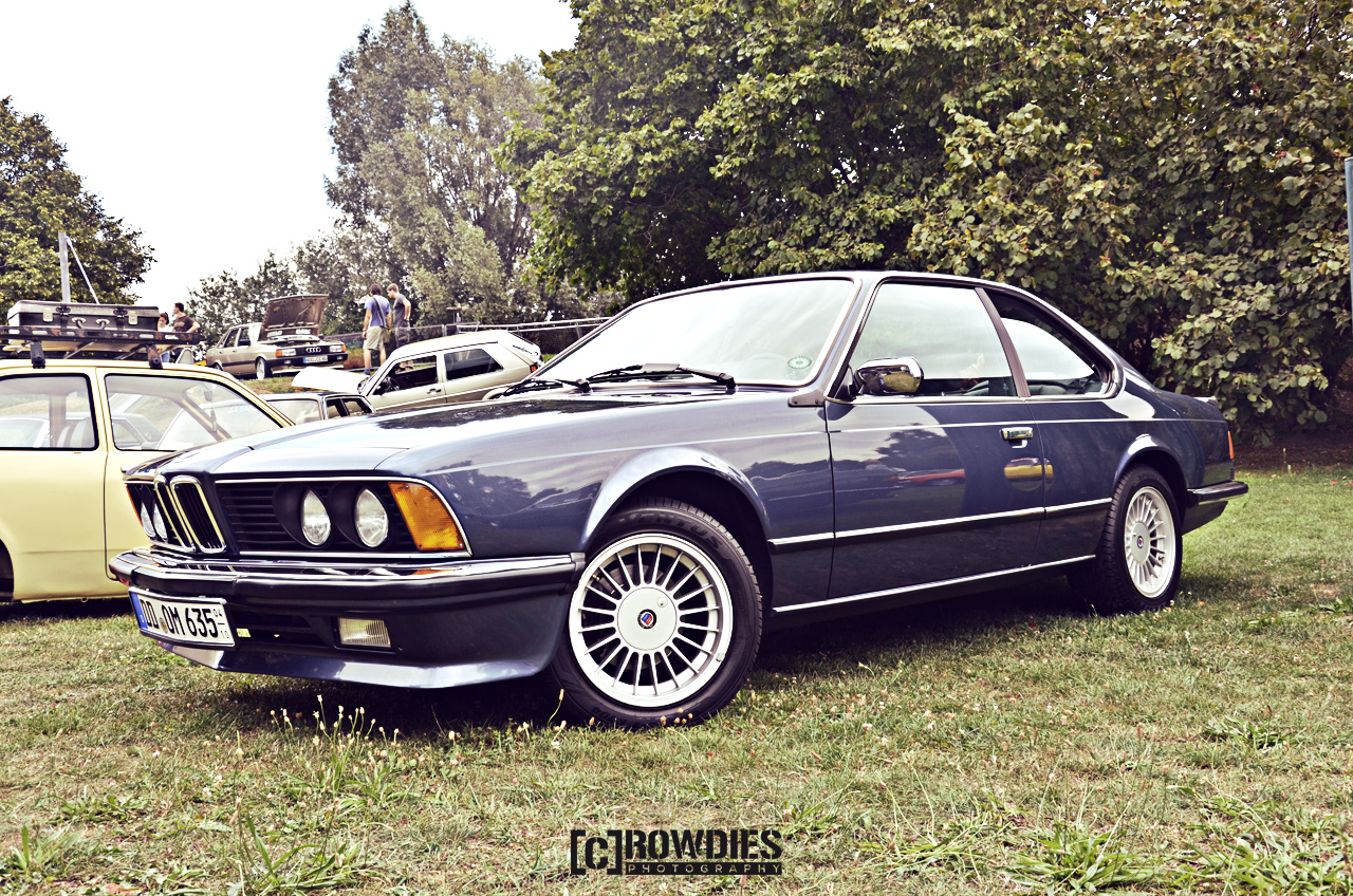 Awesome Classics - BMW E24