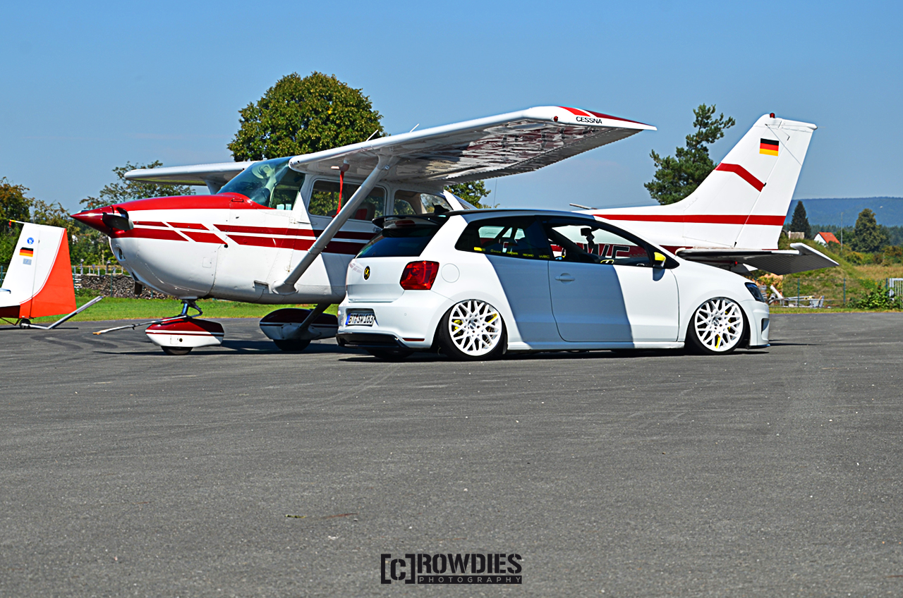Performance on Wheels - Flugzeug-Shooting - Polo WRC