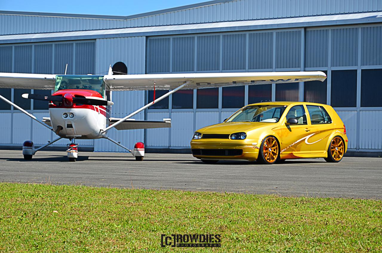 Performance on Wheels - Flugzeug-Shooting - Golf 4 Leo