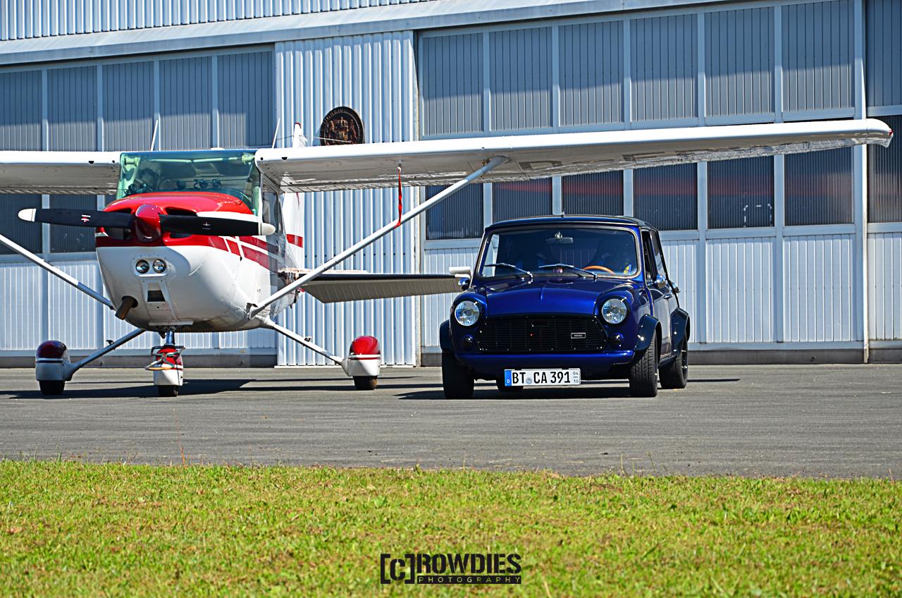 Performance on Wheels - Flugzeug-Shooting - Classic Mini Cooper