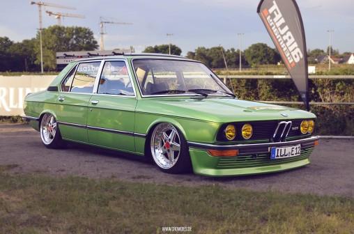 Sourkrauts Inneres Blumenpflücken – BMW E28 M535i